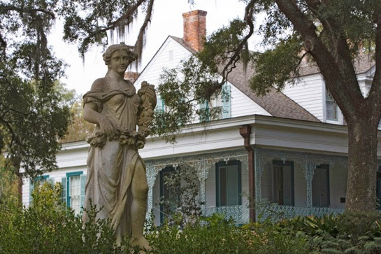 Historias de fantasmas: Chloe en la Plantación Myrtles