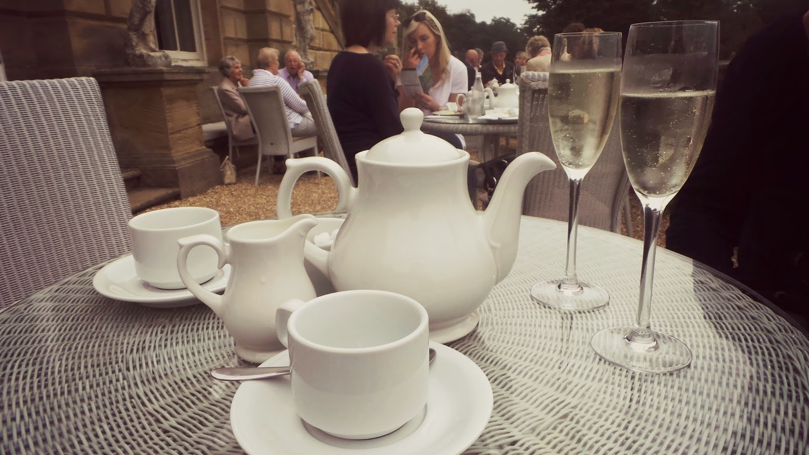 drinks with afternoon tea