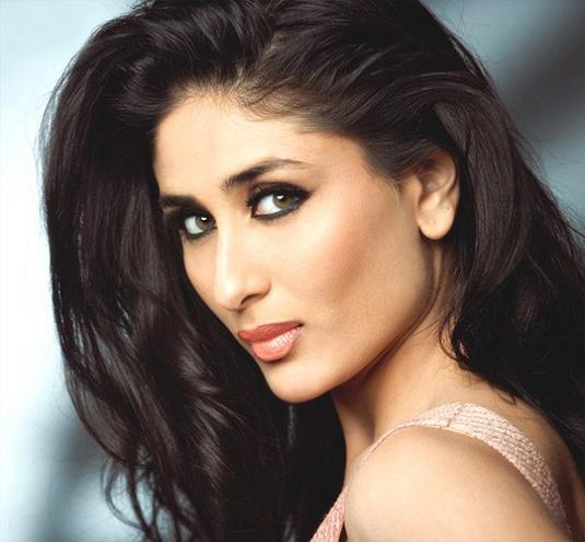 http://1.bp.blogspot.com/-BUtnb-IHycc/Tdv26Z4mluI/AAAAAAAAOic/0zGjE9Ggy8c/s1600/Hot-kareena-kapoor-Actress-Photos-wallpapers-6.jpg