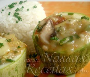 deliciosa e fácil essa receita de abobrinha recheada com shitake