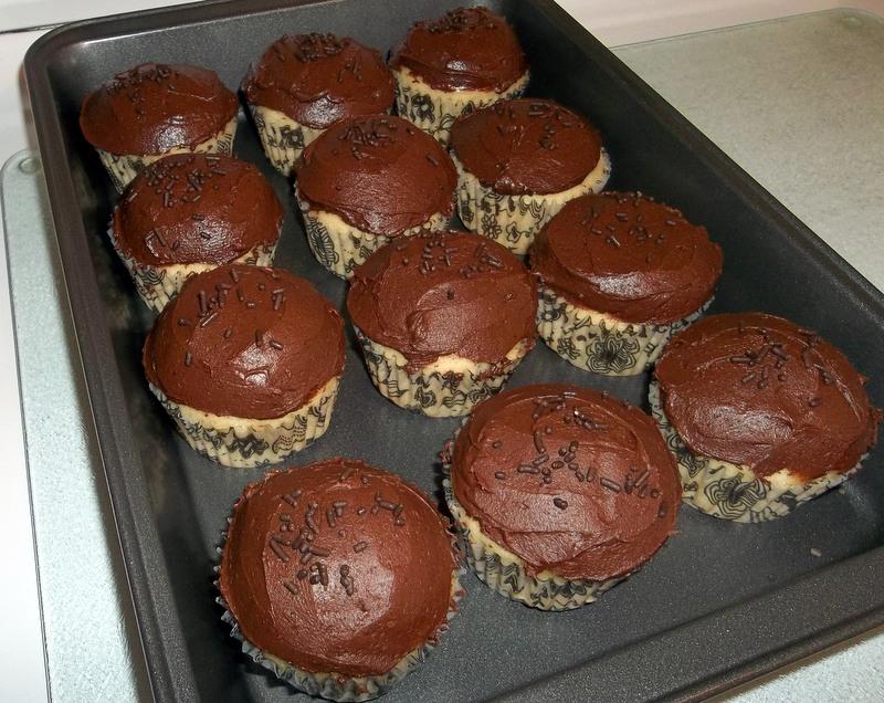 The Tiny Tyrant S Kitchen Tandy Cake Cupcakes Take Two