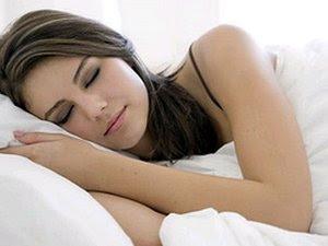 http://www.jadigitu.com/2012/09/tidur-lebih-sehat-tanpa-pakaian-dalam.html