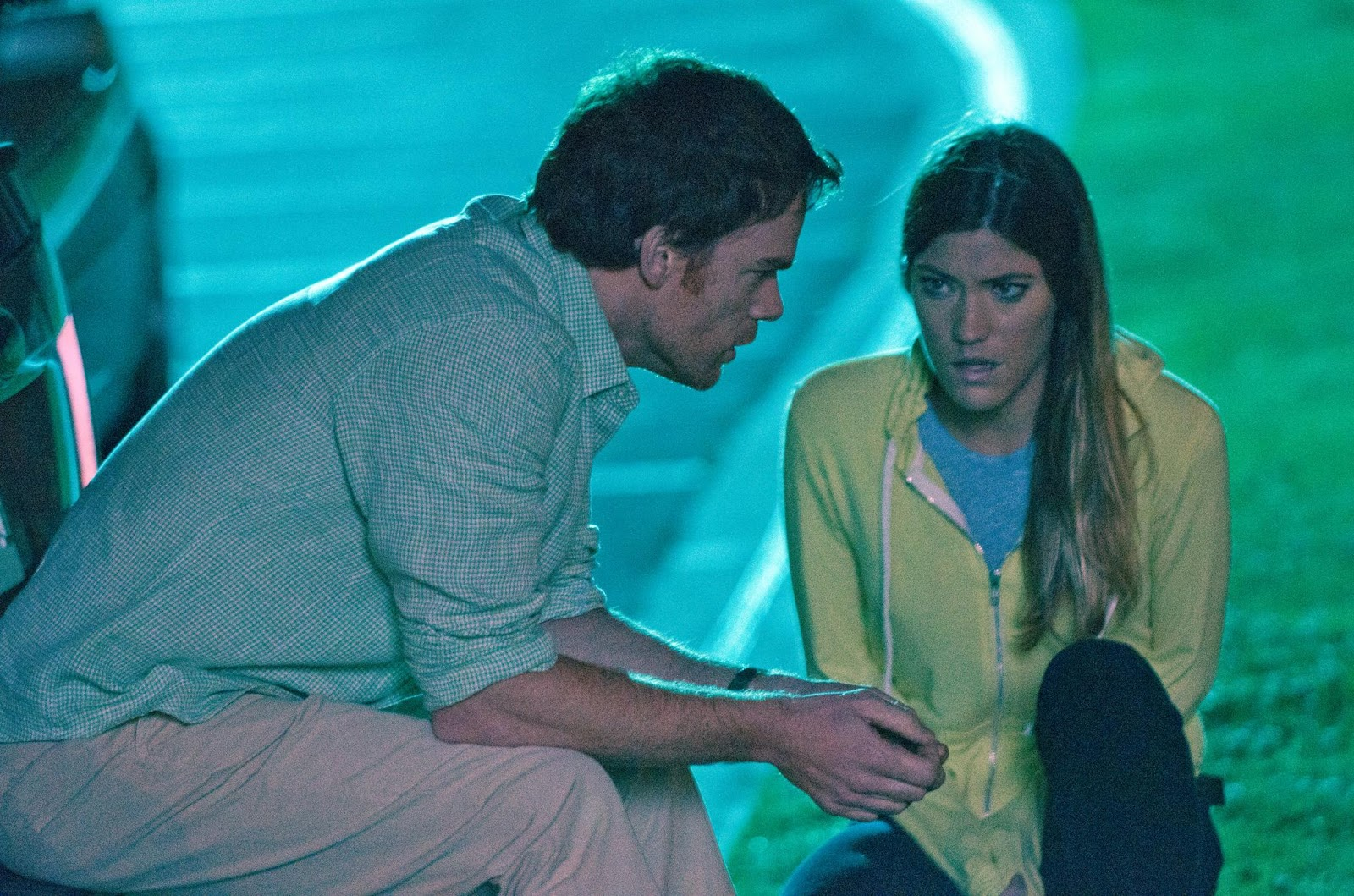 http://1.bp.blogspot.com/-BVj5SfovV_4/UEepjW-sZzI/AAAAAAAAI-w/nEQLCY3UZ-0/s1600/picture-of-michael-c-hall-and-jennifer-carpenter-in-dexter-large-picture.jpg