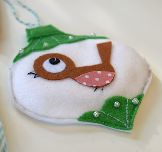 Cute robin bauble felt xmas decoration