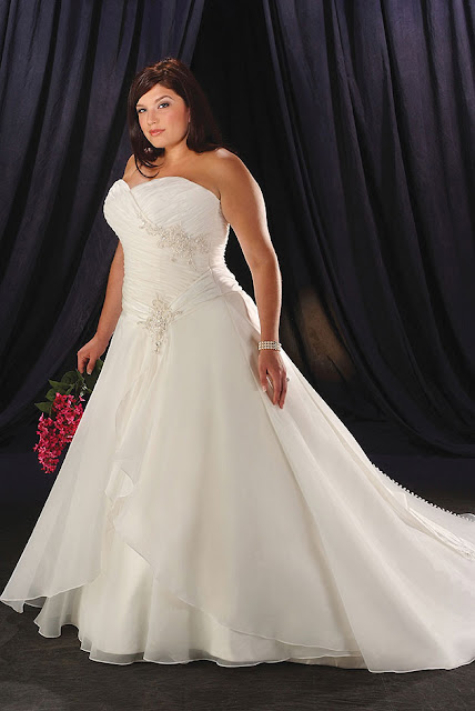Wedding Dresses For Night Time : Wedding dress find the appropriate plus size evening