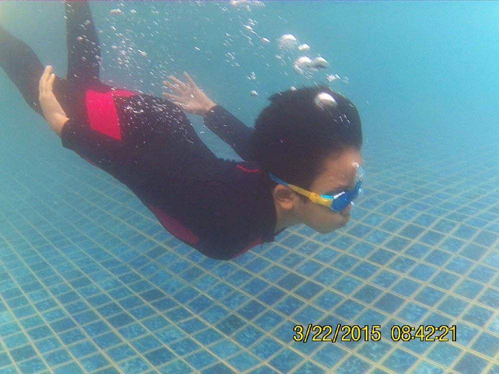 latihan menyelam di BISS-Kursus Renang Bandung