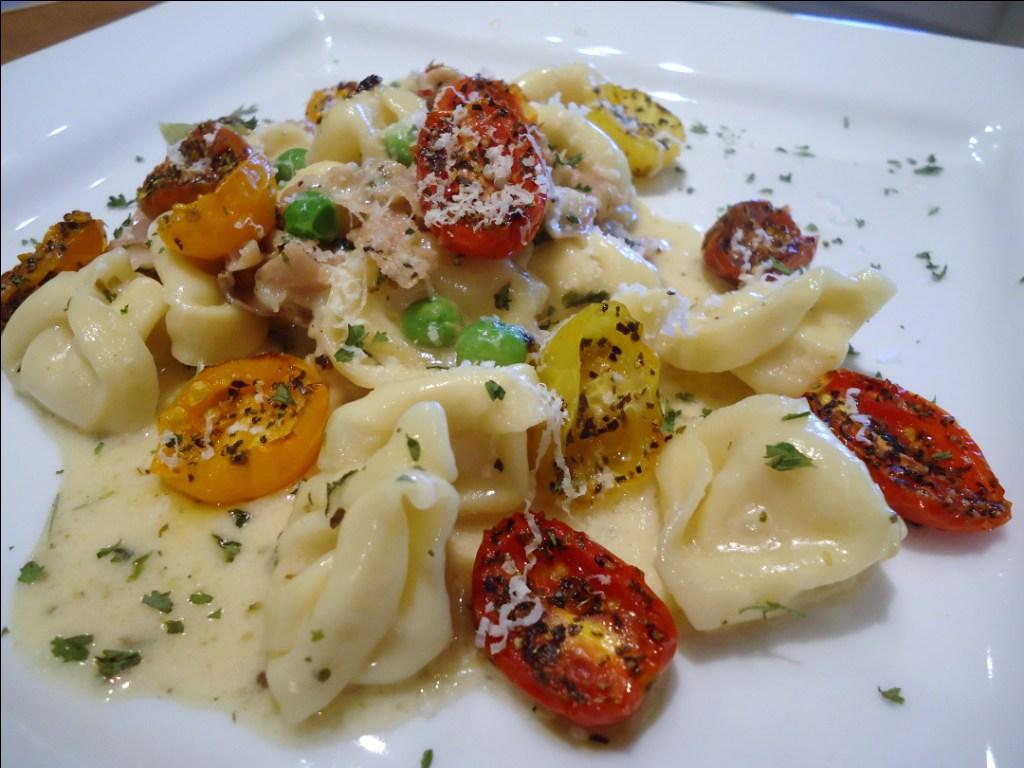 Menu Musings of a Modern American Mom: Cheese Tortellini with ...