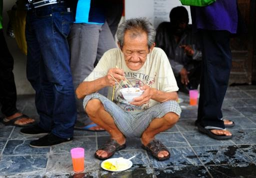STREET KITCHENS KL MUST B MADE LEGAL BY D AUTHORITY ! 4 HUMANITARIAN LOVES N BROTHERHOOD 2 ALL !!
