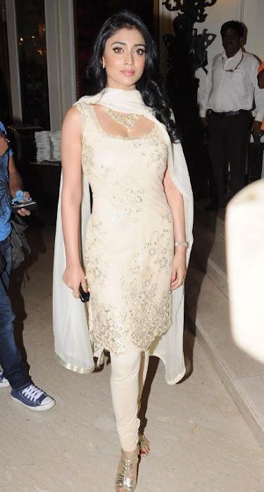 Shriya Saran in Tight Churidar, Fashion Girl with Sleeveless Churidar