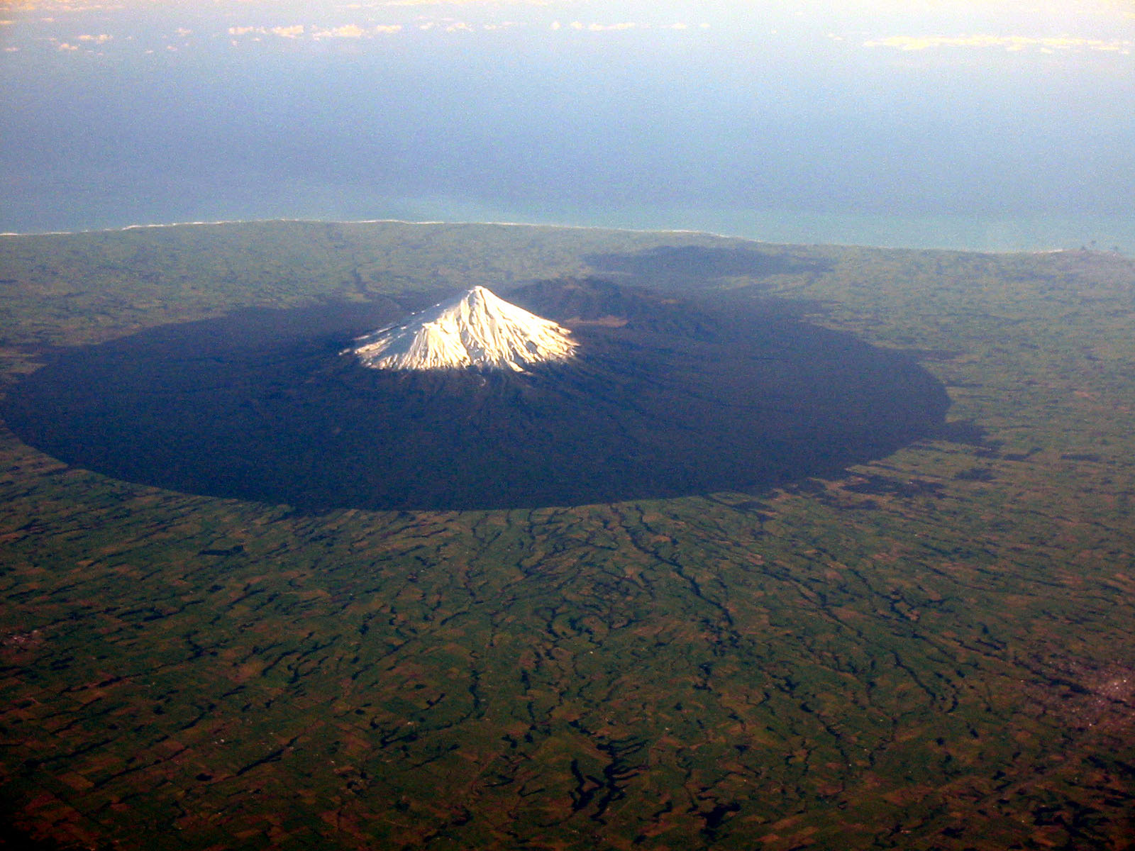 Mount Taranaki New Zealand  City pictures : Email This BlogThis! Share to Twitter Share to Facebook Share to ...