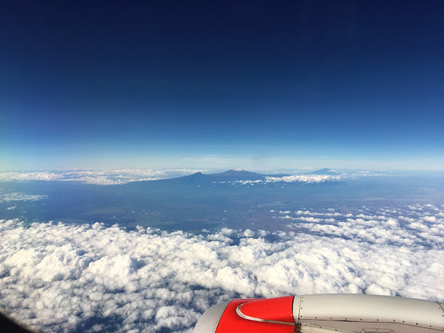 Flying past Mount Kilimanjaro - Nairobi to Mombasa with Kenya Airways