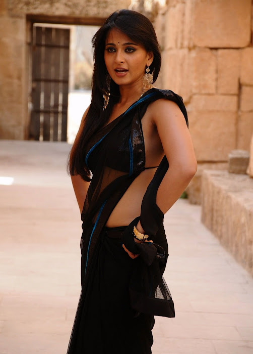 anushka bare back in black saree cute stills