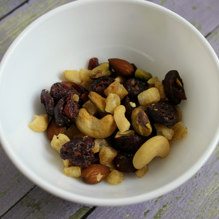 Sahale Snacks Grab & Go Classic Fruit + Nut Blend