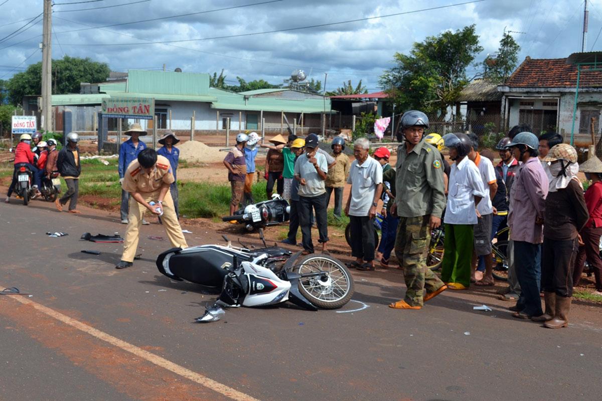 Kbang: Xử lý nghiêm các vi phạm của người điều khiển mô tô, xe máy