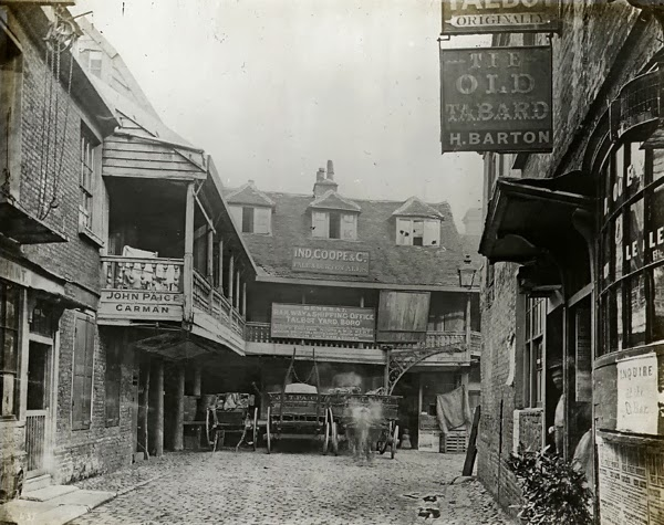 Old photos of pubs in london a century ago vintage everyday for Classic house old street london