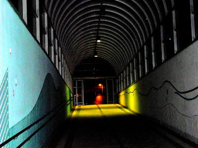 Pimeyttä tunnelin päässä