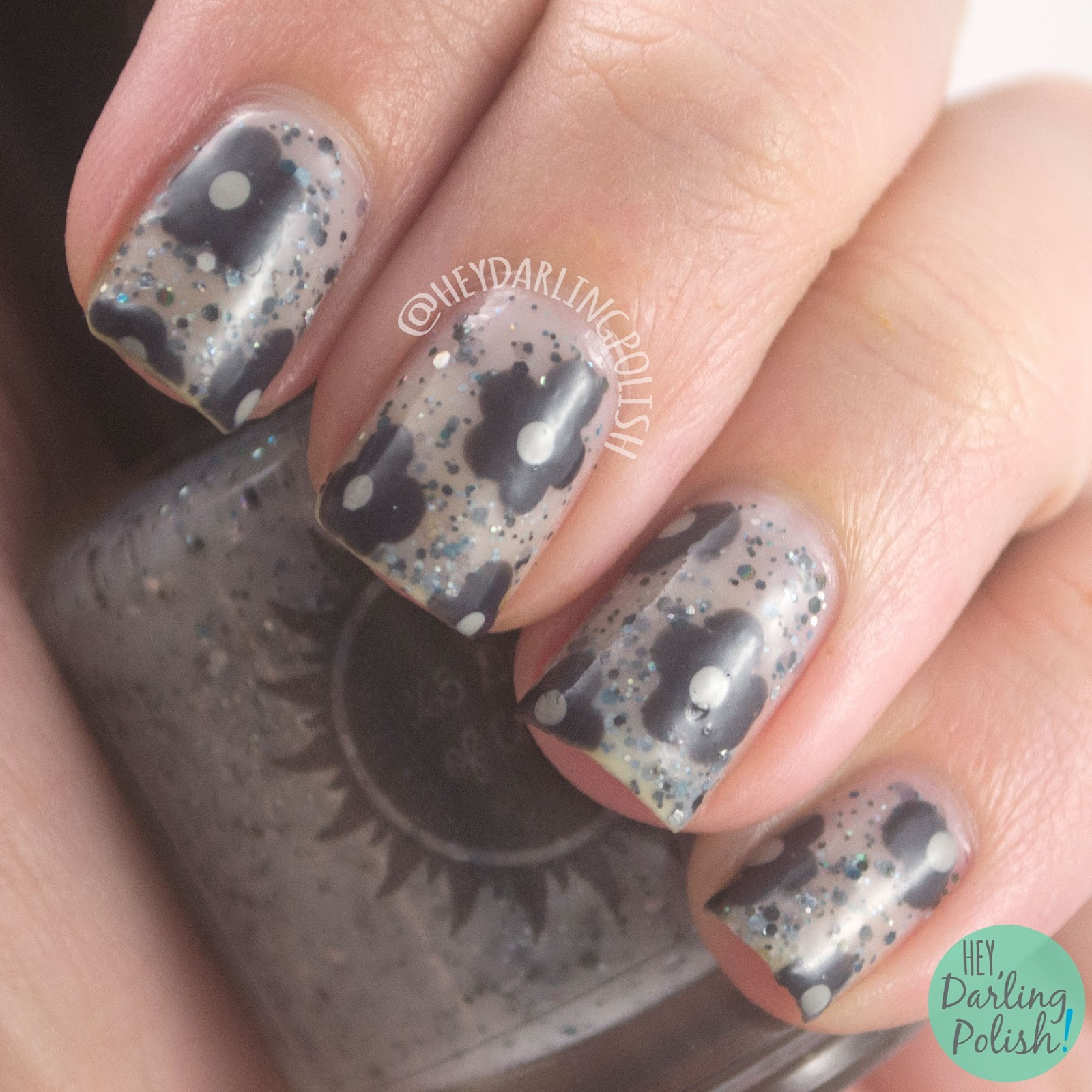 nails, nail art, nail polish, indie, indie nail polish, indie polish, flowers, grey, glitter, flowers, hey darling polish, 365 days of color, the diary
