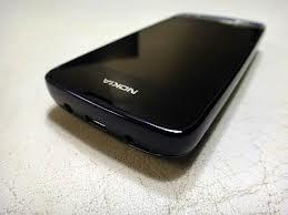 Spesifikasi dan Harga Nokia Asha 311- Disamping Nokia memperkenalkan Nokia Asha 305 dan Nokia Asha 306 , Nokia juga memperkernalkan ponsel Asha yang tak kalah menariknya, yakni Nokia Asha 311. Nokia Asha 311 memiliki layar sentuh dengan ukuran layar 3 inci. Nokia Asha 311 juga mempunyai desain stylish yang disokong dengan jaringan 3.5G dan prosesor 1 GHz.