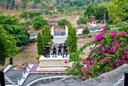 Monument Kresek : tempat wisata di madiun bernilai sejarah