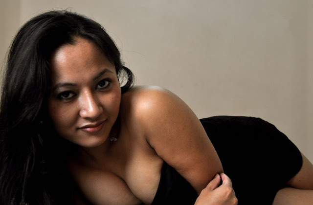 Model Pooja Basu Hot Cleavage Show