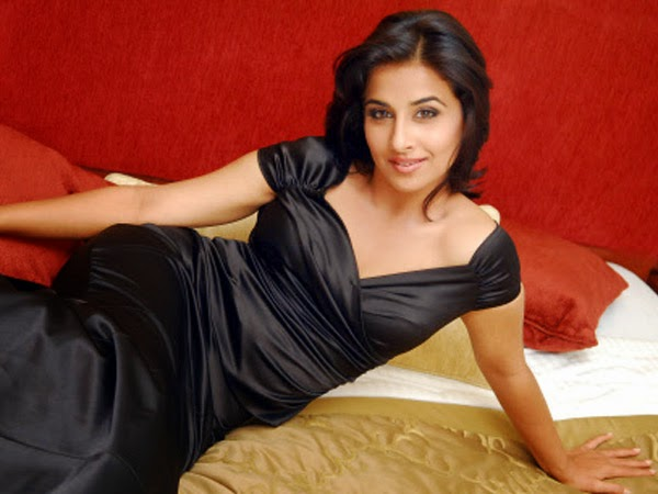 Bobby Jasoos Fame Heroine Vidhya Balan hot hd Wallpapers 2014