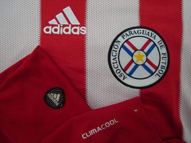Filtración de la nueva camiseta adidas de Paraguay para la Copa América 2015