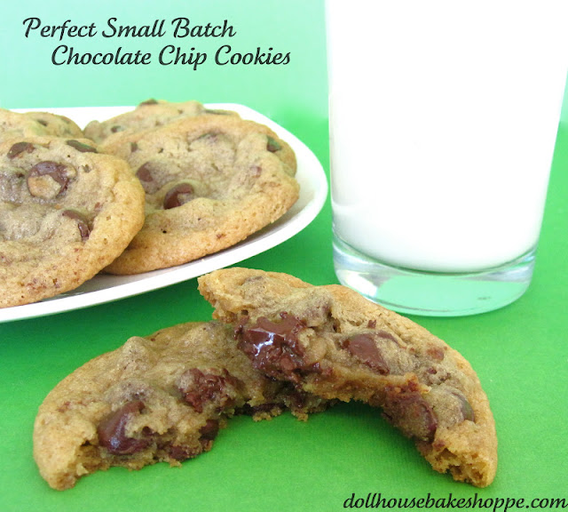 http://blog.dollhousebakeshoppe.com/2011/06/perfect-chocolate-chip-cookie.html
