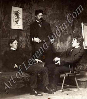 Robert Henri (in the centre) was the leader of a group of painters whose vivid pictures of everyday life in New York its streets and its tenements earned them the title of the 'Ashcan' School. Hopper shared their commitment to objective realism, but he was not interested in their preoccupation with painting people or in their value of technical flair.