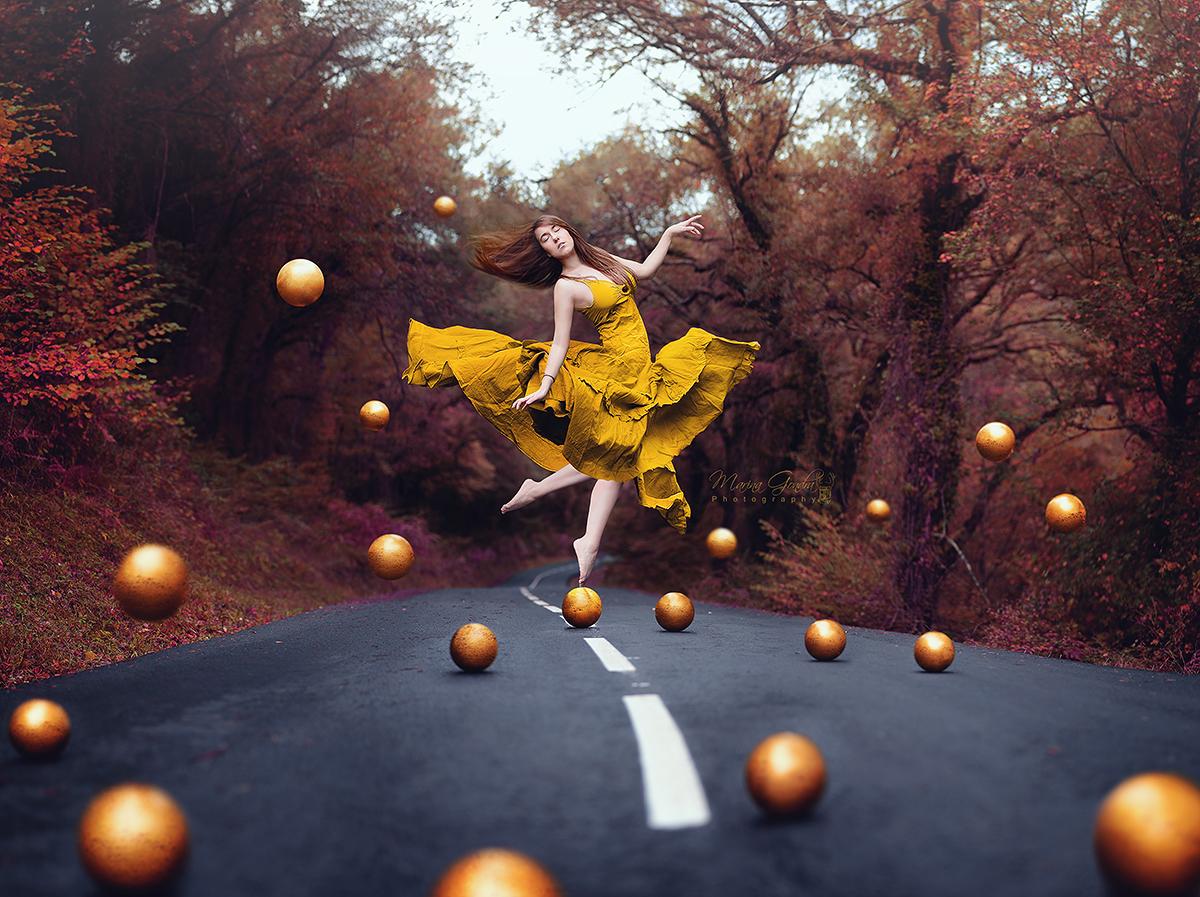 """Teleidoscope Spain: Marina Gondra: """"Dorado / Golden"""""""