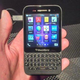 Review, Spesifikasi dan Update Harga Terbaru Blackberry Q5 Smartphone Android
