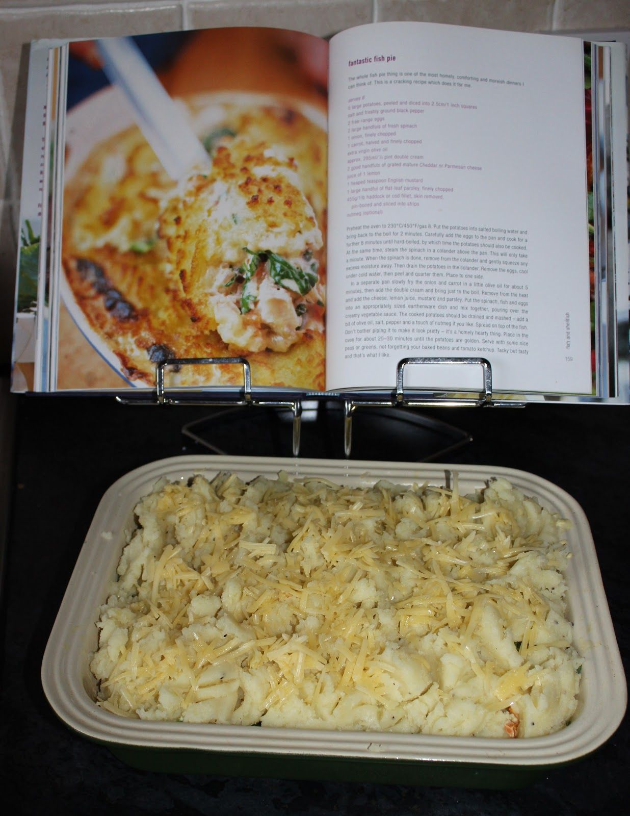 Better belly burst jamie 39 s fantastic fish pie for Fish pie jamie oliver