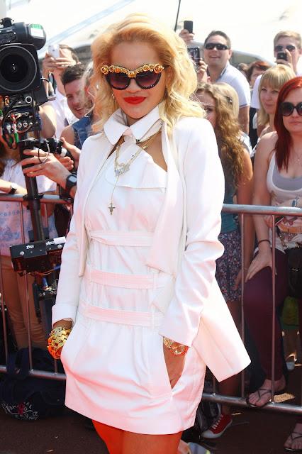 Rita Ora A-morir sunglasses