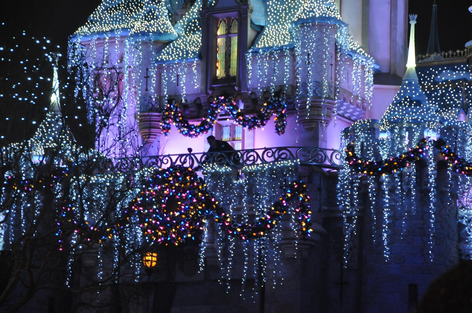 Disney, Disneyland Christmas, Disney Christmas, Disneyland, Disney fan, Disney lover, magical kingdom, what to do at Disneyland, Disney fashion, California adventure, California advenure food, whre to eat at California adventure, Disney apparel, Disney food, Disney food review, mickey mouse ears, where to eat at Disneyland, fashion blog, fashion blogger, style blog, style blogger, mens fashion, mens fashion blog, mens style, mens style blog, womens style blog, anthropologie ootd blog, anthropologie ootd, anthropologie, ootd, mens ootd, womens ootd,
