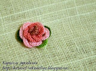 Роза, вышитая наборным петельным швом.