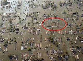 zonahitamdunia.blogspot.com - Kumpulan Foto Unik Saat Banjir3