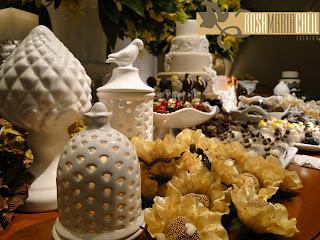 vasos de porcelana, brigadeiro, formas, bolo