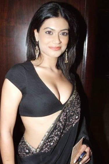 Payal Rohatgi hot sangram singh