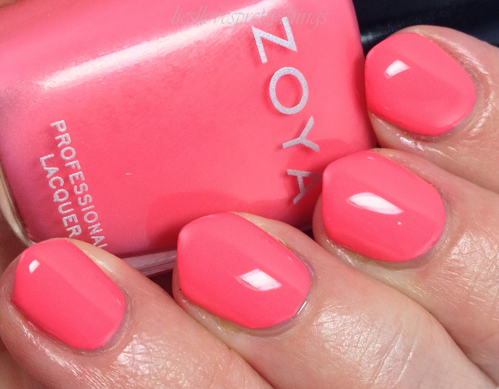 Zoya Wendy swatch and review