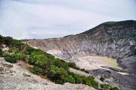 Gunung Tangkuban Perahu : wisata alam di bandung
