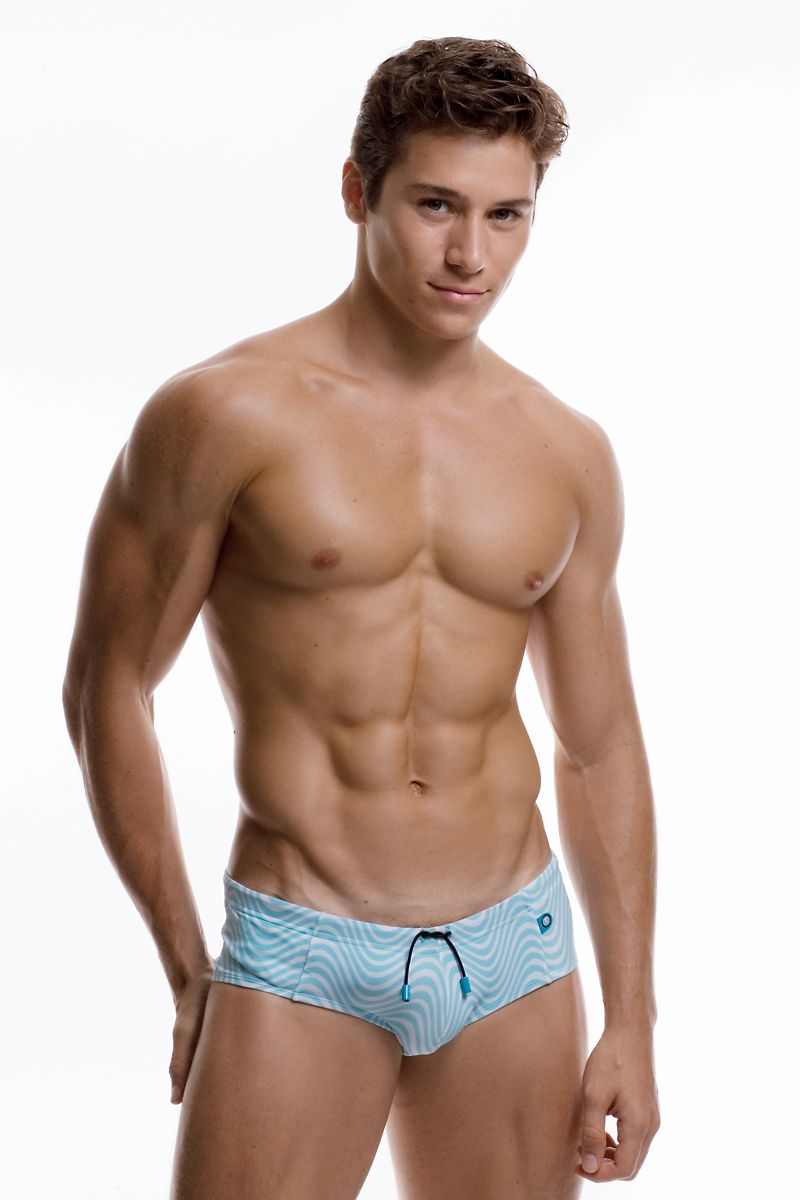 pop news renato ferreira for undergear