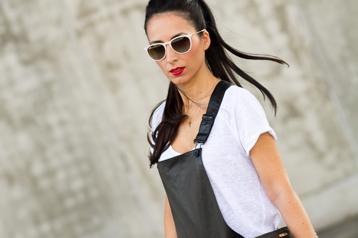 #MBFWMadrid: LOOK 1, BLACK LEATHER DUNGAREE