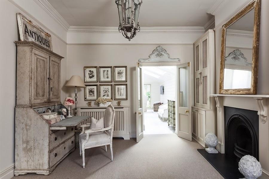 wnętrza, wystrój wnętrz, styl francuski, eleganckie, szary, beżowy, romantyczny, biurko, sekratarzyk