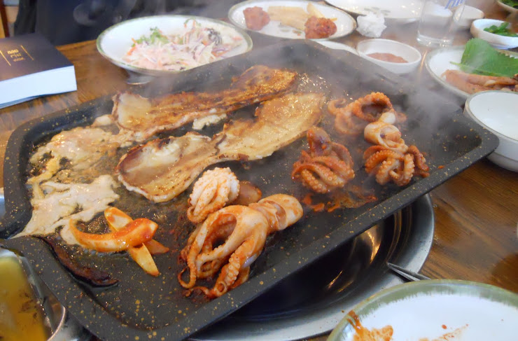 A Korean barbeque!  Food for a king!