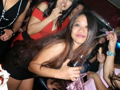 Tante Nanda Pesta Hot dan Sex party di Sebuah Cafe
