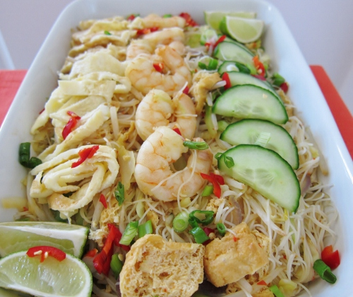 Mee Siam (Spicy Fried Vermicelli Noodles) from Nomsies Kitchen