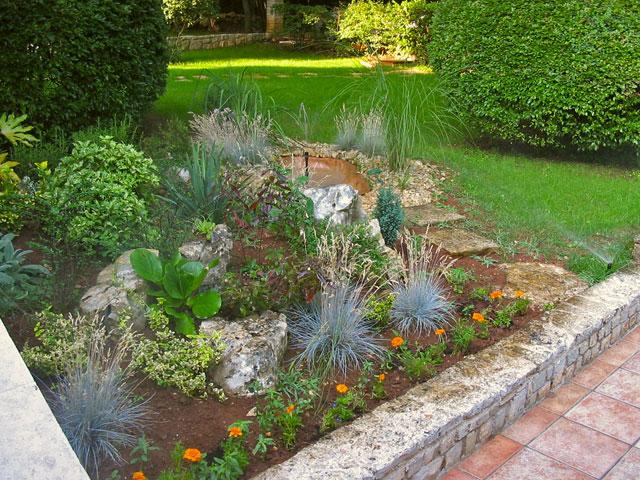 Uređenje dvorišta i vrta: Kako napraviti kamenjar