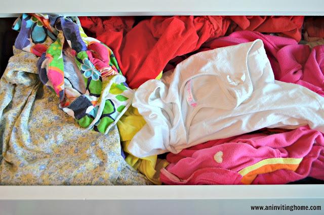 folding kids laundry