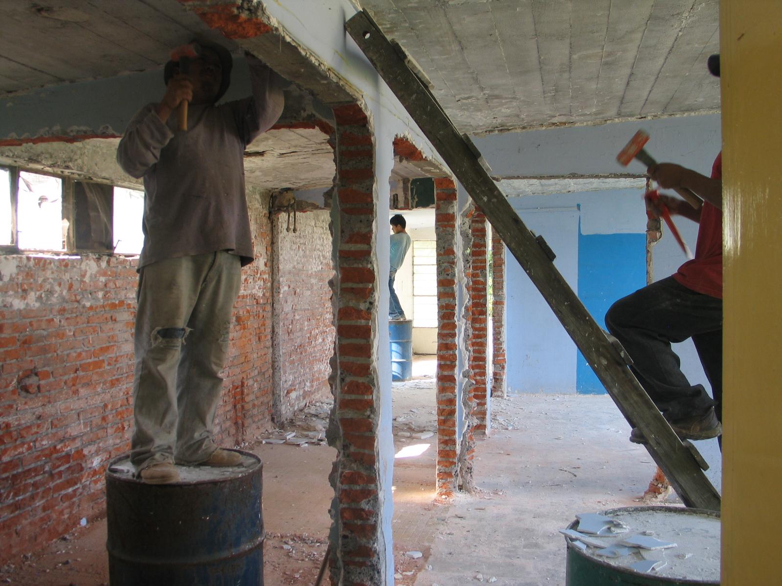 Oficinas alternas construccion en ceiepav for Construccion oficinas