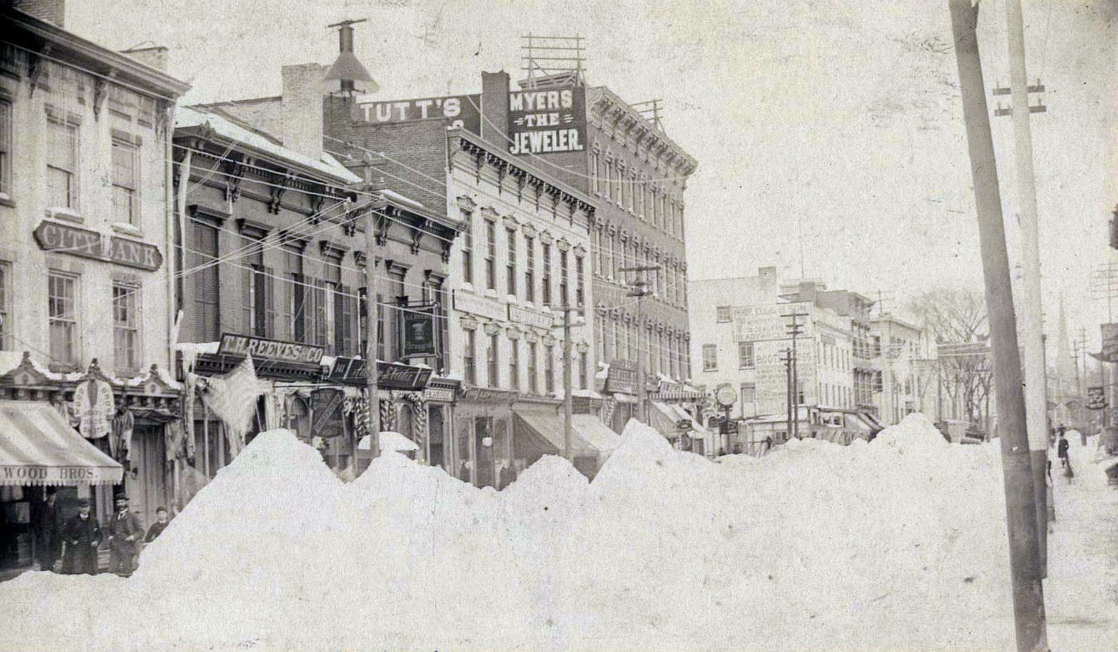 blizzard of 1888 The great blizzard of 1888 hammered the northeast, killing hundreds, isolating entire cities, and disabling telegraph lines and railroads.