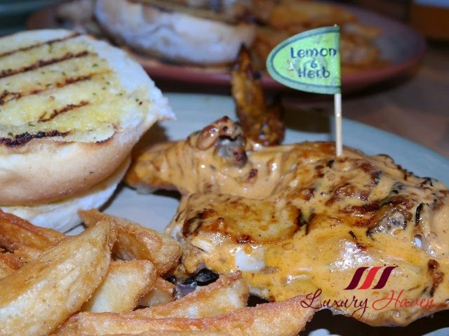 nandos peri peri chicken garlic bread wedges review